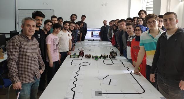 BLM1004 Bilgisayar Donanımı Dersi Dönem Sonu Robot Yarışı.