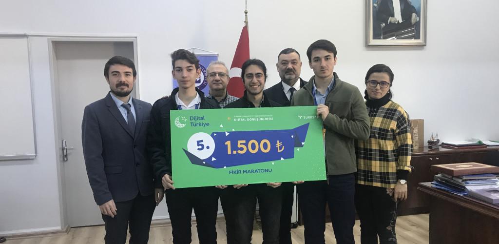 Bilgisayar Mühendisliği Öğrencilerimiz Fikir Maratonu'ndan Ödülle Döndüler